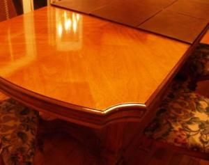 protedt your table with a pad
