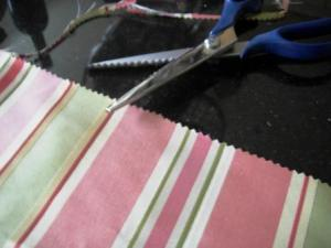 no-sew edges with pinking shears